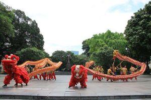 Hà Nội tổ chức nhiều hoạt động văn hóa tại phố đi bộ hồ Hoàn Kiếm
