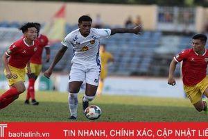 5 điểm sáng của Hồng Lĩnh Hà Tĩnh trong trận đấu với Quảng Nam