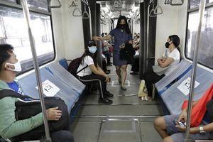 Manila mở cửa trở lại, Thái Lan xem xét lùi kỳ nghỉ Tết Songkran