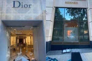 Đau xót khi loạt cửa hàng Dior, Louis Vuitton tại Mỹ bị đập phá cướp bóc nặng nề