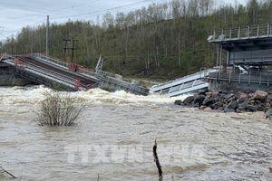 Giao thông miền Bắc nước Nga có thể gián đoạn nhiều tháng do cầu sập