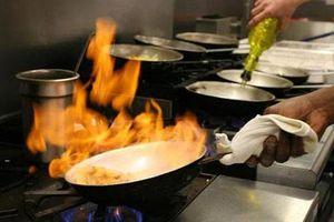 Chuyên gia cảnh báo: 2 kiểu nấu ăn có thể tạo ra chất độc gây ung thư, nhiều người mắc phải