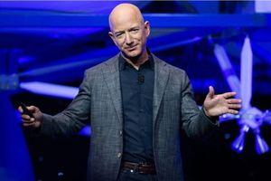 Đối thủ của Jeff Bezos trong cuộc đua thành tỉ phú nghìn tỉ USD đầu tiên