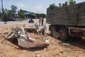Xe Howo đè bẹp xe con khiến 4 người thương vong: Phó Thủ tướng chỉ đạo làm rõ