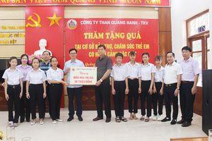 Than Quang Hanh tặng 6 chiếc điều hòa cho trẻ em có hoàn cảnh đặc biệt