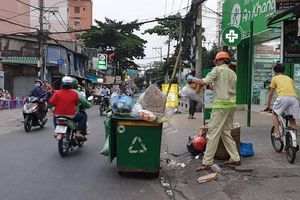 Công nhân thu gom rác bị đe dọa khi làm nhiệm vụ