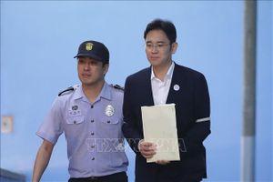 Hàn Quốc: Người thừa kế tập đoàn Samsung bị đề nghị bắt giữ
