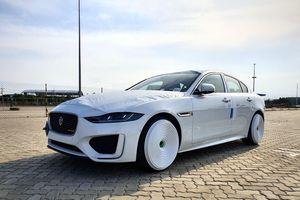 Hình ảnh Jaguar XE mới đầu tiên tại Việt Nam