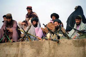 Mỹ lần đầu không kích Taliban sau khi lệnh ngừng bắn kết thúc