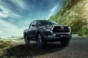 Toyota Hilux 2021 ra mắt, nâng cấp động cơ, đấu 'vua bán tải' Ford Ranger
