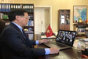 Cộng đồng người Việt tại Nga thể hiện tình đoàn kết trong đại dịch