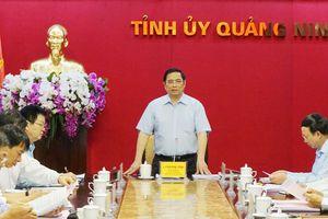 Đồng chí Phạm Minh Chính, Ủy viên Bộ Chính trị, Trưởng Ban Tổ chức Trung ương làm việc với Ban Thường vụ Tỉnh ủy Quảng Ninh