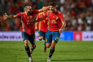 Vùi dập Á quân World Cup, Tây Ban Nha thi uy sức mạnh