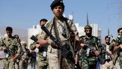 Chiến binh Houthi tấn công xuyên biên giới, nã tên lửa phá hủy xe bán tải chở quân Ả rập Xê út