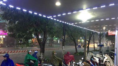Chiều nay 26/9 miền Bắc mưa giông, ngập lụt nhiều nơi tại khu vực Hà Nội