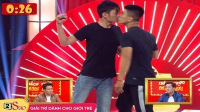 Trấn Thành chết sững với cặp thí sinh nam bạo gan 'khóa môi' trên sân khấu 'Thách Thức Danh Hài'