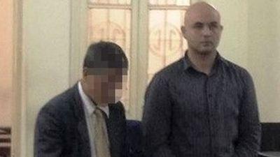 Clip: Người đàn ông ngoại quốc lãnh án tù vì lạm dụng tình dục trẻ em Việt Nam