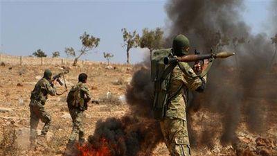 Khủng bố HTS 'vật lộn' với IS tại Idlib, Quân đội Syria hưởng lợi
