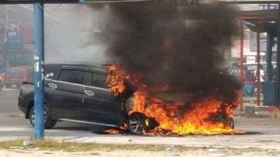 Mitsubishi Xpander bất ngờ bốc cháy tại Indonesia