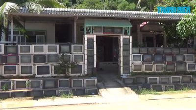 Độc lạ hàng rào bằng 400 chiếc vỏ tivi của ông lão Phú Quốc