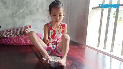 Cô bé viết chữ bằng chân ước mơ làm cô giáo dạy mỹ thuật