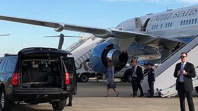 Cabin bốc khói nghi ngút, máy bay chở đệ nhất phu nhân Mỹ phải hạ cánh khẩn cấp