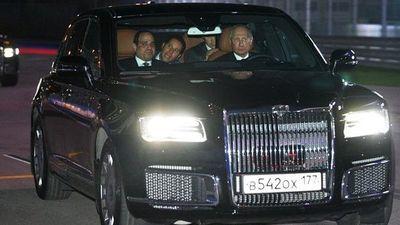 Tổng thống Nga lái xe sang chở Tổng thống Ai Cập thăm đường đua