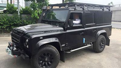 Land Rover Defender 'hàng hiếm' giá 2,8 tỷ tại Hà Nội