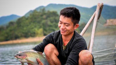 Thanh niên người Thái làm giàu trên ốc đảo