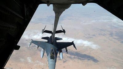 Mỹ không kích dữ dội Deir Ezzor, hàng chục dân thường chết oan?