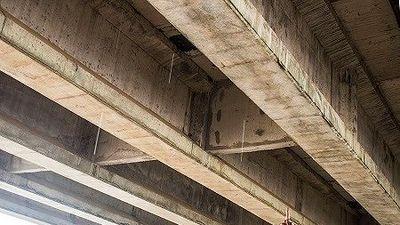 Cầu vượt cao tốc Đà Nẵng-Quảng Ngãi: Người của nhà thầu bám phóng viên