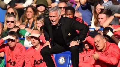 Cách để Mourinho gia cố hàng thủ MU là tấn công thật nhiều