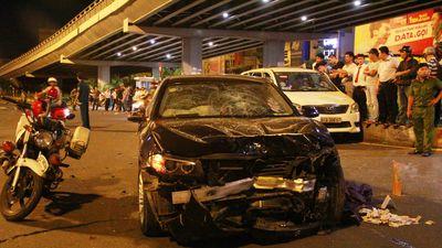 Nhân chứng kể khoảnh khắc BMW tông liên hoàn ở ngã tư Hàng Xanh