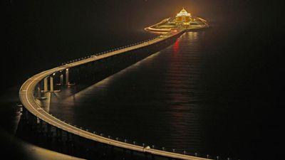Choáng ngợp kích thước cầu vượt biển dài nhất thế giới