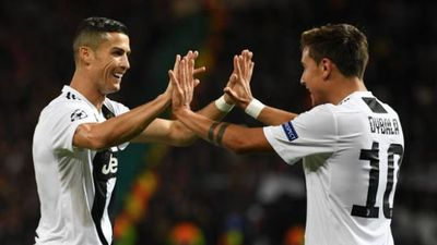 Man Utd 0-1 Juventus: Ronaldo dứt điểm nguy hiểm
