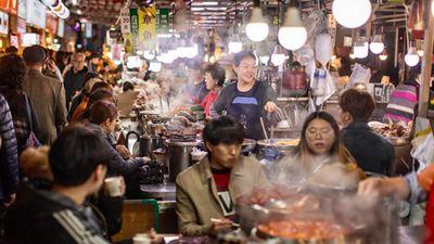 No căng bụng khi ghé thăm khu chợ Gwangjang nổi tiếng ở Hàn Quốc