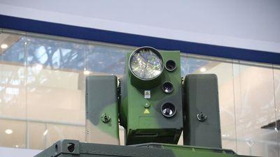 Trung Quốc giới thiệu vũ khí laser có thể bắn hạ tên lửa