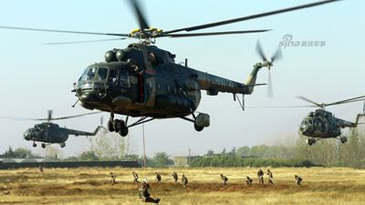 Choáng ngợp dàn Mi-17 Trung Quốc tập trận đổ bộ đường không