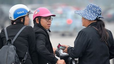 Vé trận Việt Nam - Malaysia vẫn bán giá gấp 5 lần