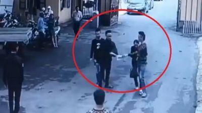 Hà Nội: 'Cướp' hồ sơ tại buổi đấu giá đất ngay ở sân UBND huyện