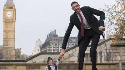 Ban biết gì về đời sống của gười đàn ông cao nhất thế giới?