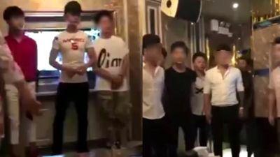 Clip hàng chục chàng trai làm tiếp viên quán karaoke ôm cho phụ nữ chọn