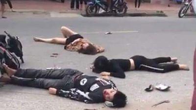 Hải Dương: Tai nạn xe điện khiến nhiều người bị thương nằm la liệt ở đường