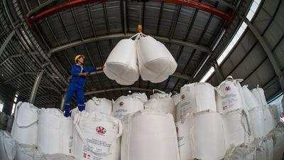 Ngày 22/11/2018 l Sự kiện và Con số Công Thương: TKV tiêu thụ trên 1 triệu tấn alumin
