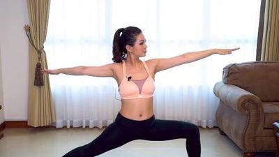 6 bài tập yoga giảm mỡ bụng của Á hậu Diễm Trang