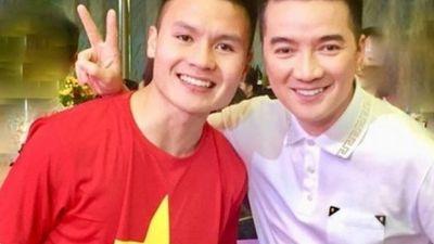 Đàm Vĩnh Hưng 'chơi lớn', quay hẳn 2 clip nhắn nhủ tới đội tuyển Việt Nam
