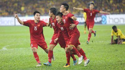 Việt Nam 2-0 Malaysia: Đức Huy tung cú sút đẹp mắt nâng tỷ số