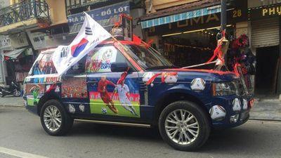 Muôn kiểu trang trí xe cổ vũ đội tuyển Việt Nam trước giờ bóng lăn