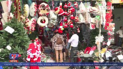 Sôi động thị trường Giáng sinh tại Sài Gòn