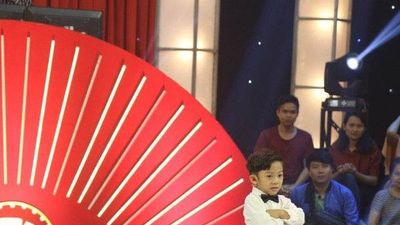 Bé trai 6 tuổi xin phép chửi Trấn Thành, Trường Giang ẵm 10 triệu đồng